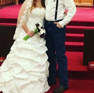 David's Bridal White Wedding Gown (style: T9325)
